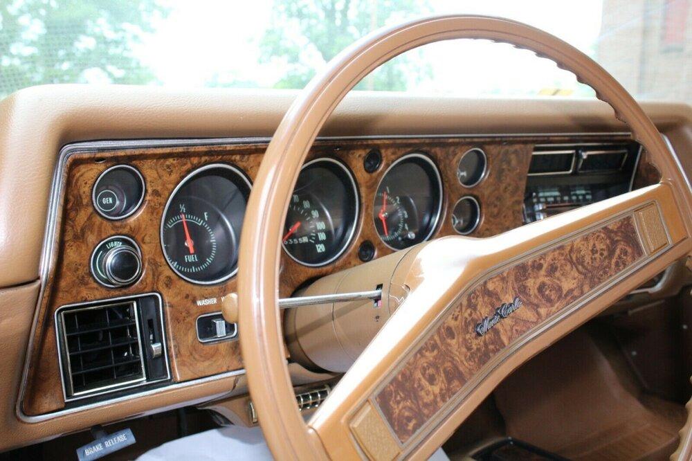 1970-Chevrolet-Monte-Carlo-Gold-Dash.jpg