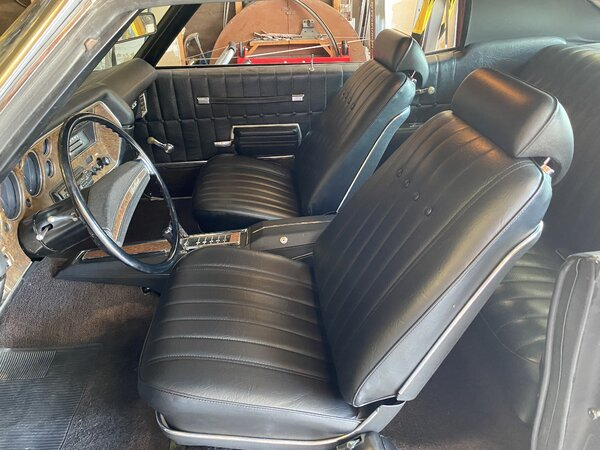 Fresh upholstered buckets!